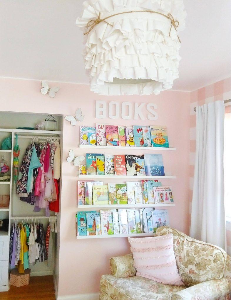 Wall Mounted floating bookshelf makeover