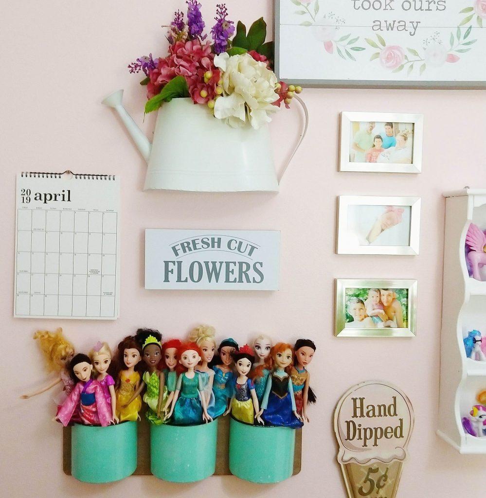 Girl's bedroom wall decor