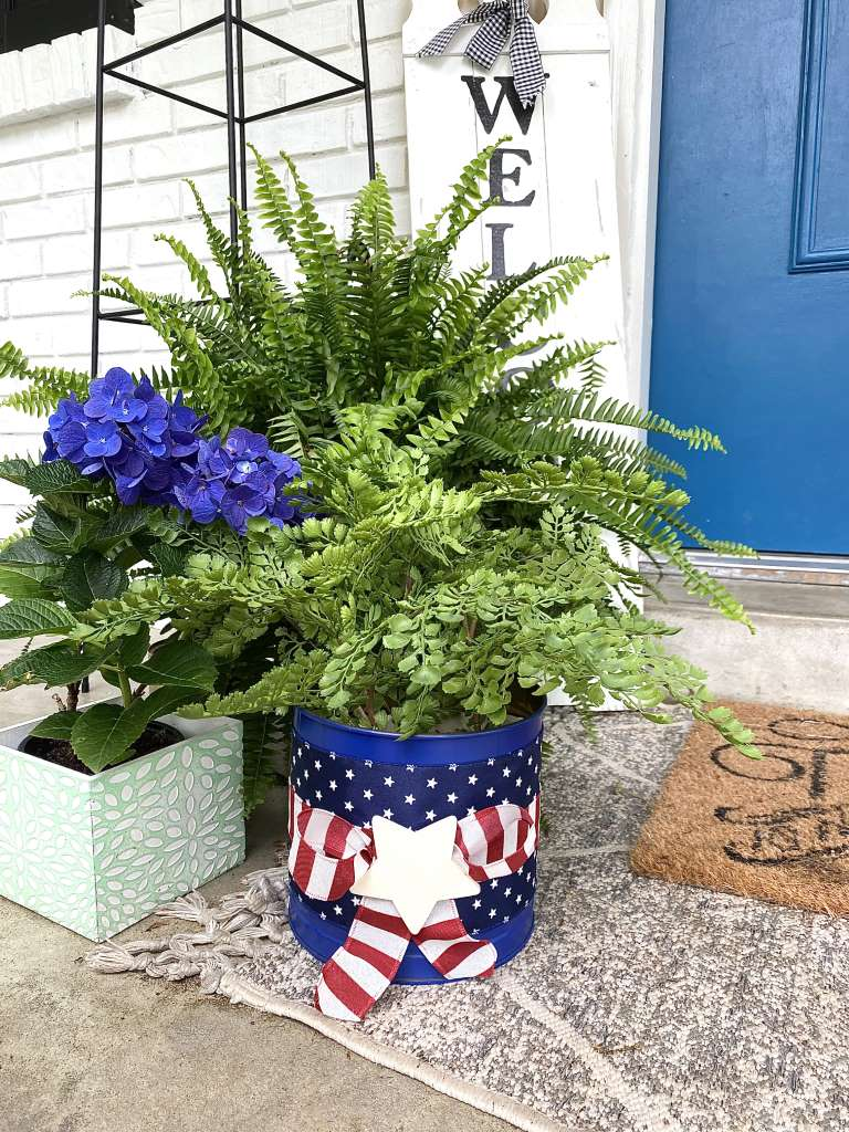 4th Of July stars and stripes bucket planter DIY Craft