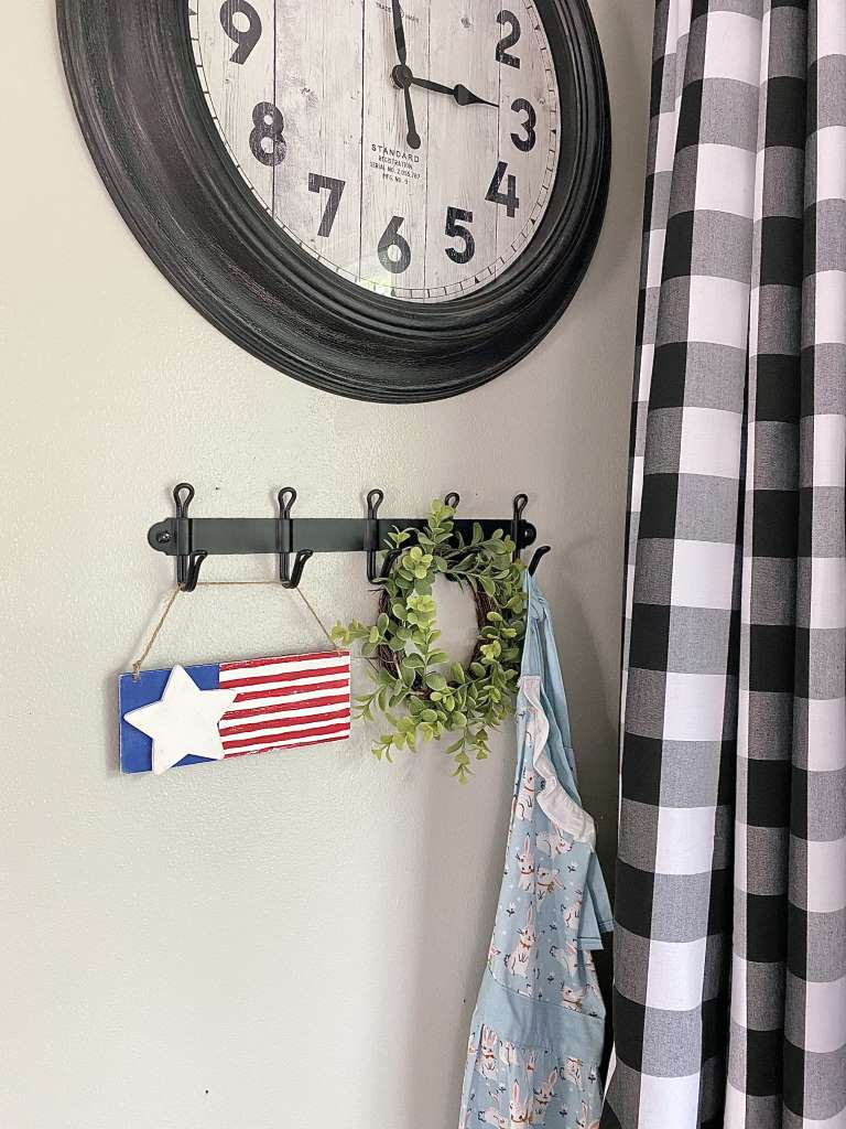 4th Of July American Flag hanging plaque DIY Craft