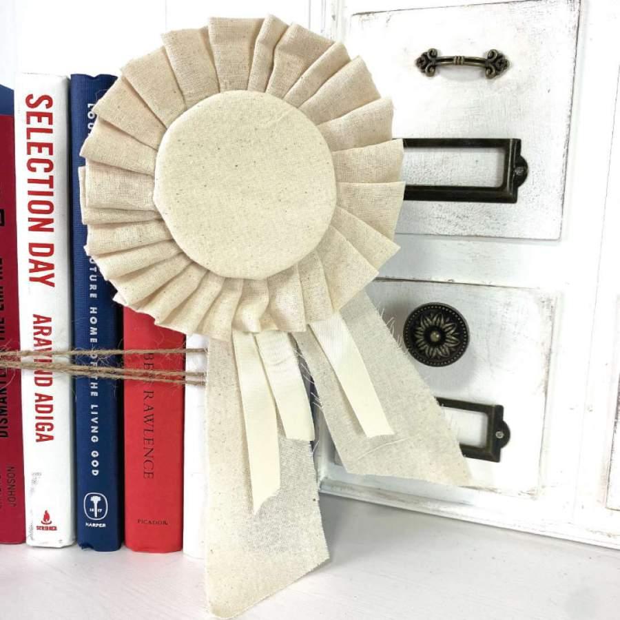 DIY pleated Award Ribbon