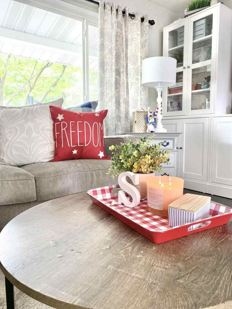 Red Freedom pillow and gingham red and white table tray